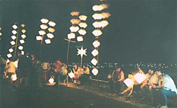 Big Hill lantern concert crowd, 11 December 1998