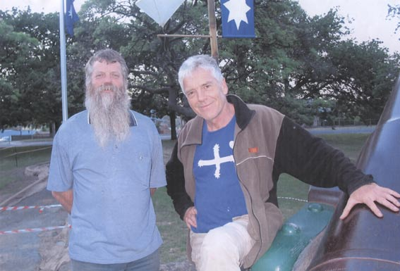 Cr Stephen Jones and Graeme Dunstan at the Eureka Memorial  3 December 2003