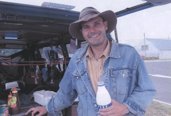 Daniel the nomad, formerly a Ballarat boy, rodeo rider, raver, poet, strummer, lover seeker, 3 December 2003