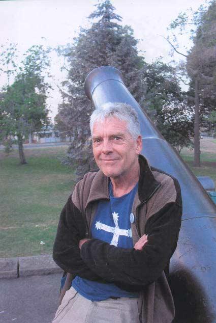 Graeme Dunstan, Eureka rouge at the Eureka Memorial, 3 December 2003