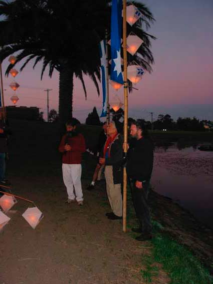 Graeme winds up the 2003 Eureka Dawn Walk  7 December 2003