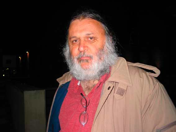 Dr Jo Toscano concludes Dawn Walk, 7 December 2003