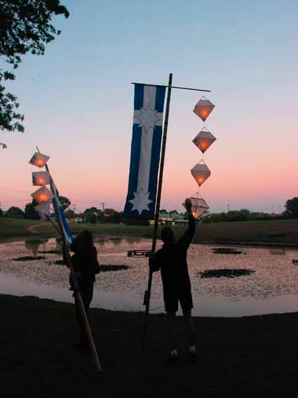 Putting Out the lanterns, Sunday 7 December 2003