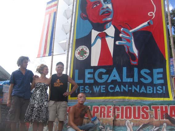 Légalisation du cannabis - Page 5 090502ObamaBanner2