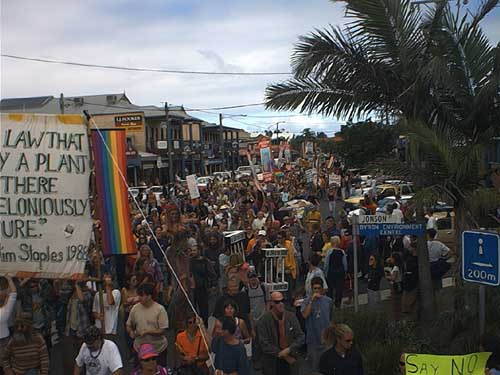 The main street of Byron Bay, crowd estimated as somewhere between 420 and 4200 people